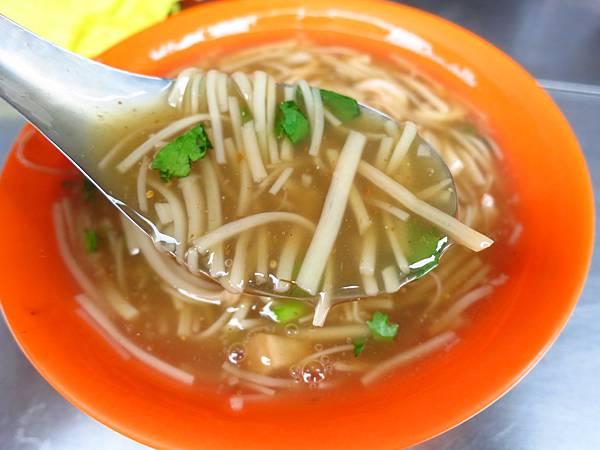 【三重美食】永福街20元大腸麵線-巷弄隱藏版麵線