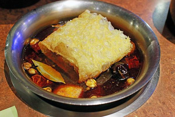 【新店餐廳】六六六小火鍋-堅持熬煮的獨特自製香菇湯頭
