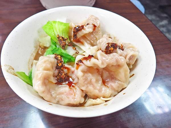 【三重美食】集美大餛飩餃子館-超大餛飩在地推薦美食