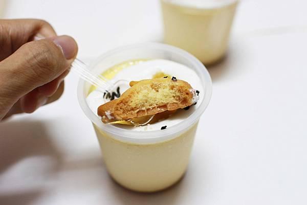 【台北蛋黃哥手工蛋糕餐廳】不用到香港在台灣也能吃到蛋黃哥