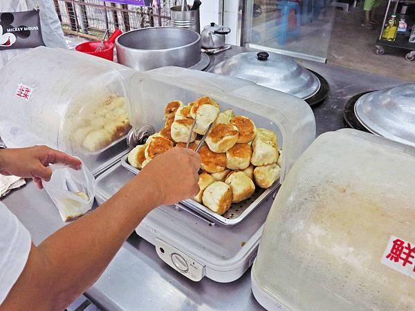 【桃園美食】楊家水煎包-超美味銅板水煎包