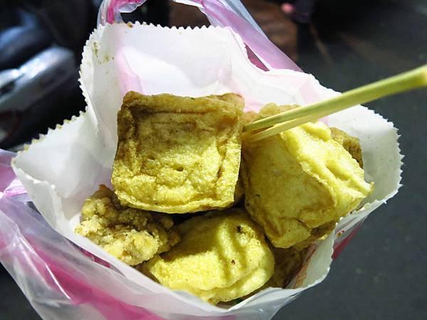 【三重美食】五華街鹹酥雞-古早味35元鹹酥雞