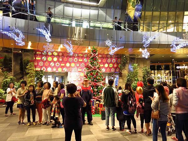 【板橋旅遊】2015新北市歡樂耶誕城-聖誕點燈