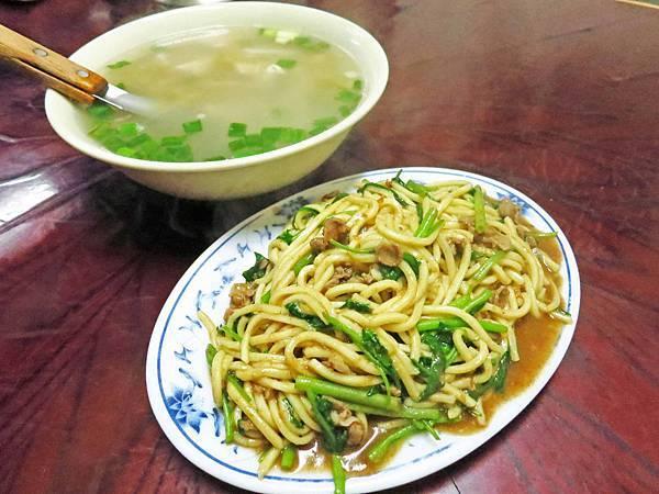 【三重美食】昌隆街炒羊肉-隱藏在巷弄中的羊肉炒麵