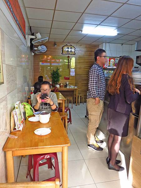 【新竹美食】學府路饅頭肉排蛋-超人氣排隊美食