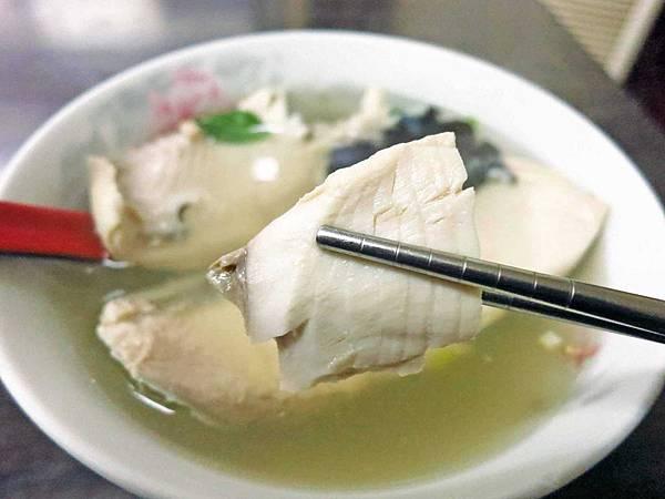 【永和美食】擱一碗鮮魚湯-無刺虱目魚湯,雞肉飯