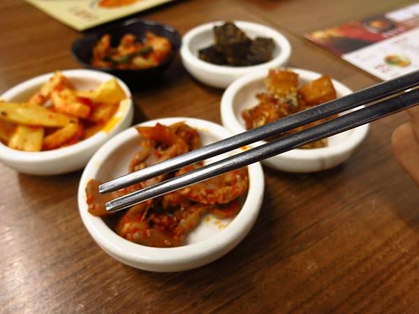 【新莊美食】朝鮮味韓國料理-韓式料理小菜吃到飽