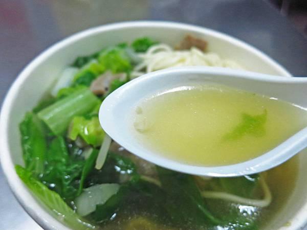 【板橋美食】紅蔥頭麵食館-獨特藥膳湯頭,令人回味