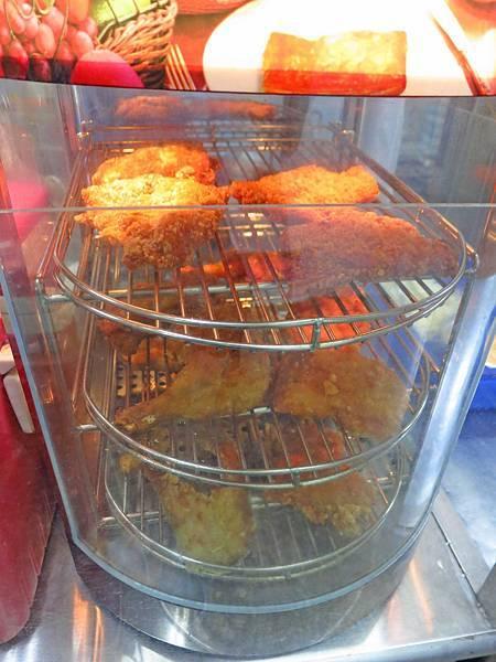 【新莊美食】化成路椒麻雞便當-60元便當店