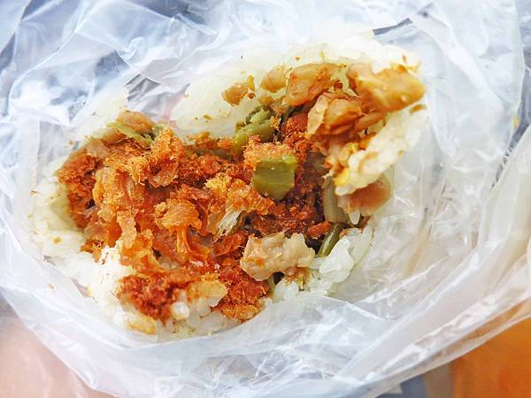 【桃園美食】阿婆飯糰-1顆30元超美味平價飯糰