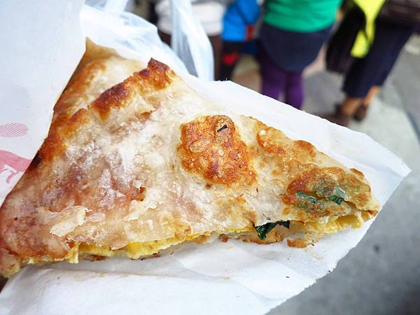 【三重美食】陳記蔥油餅-重新路上的人氣蔥油餅