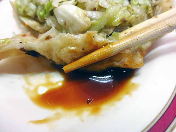 【新竹美食】小姜煎包-比拳頭還大的爆多內餡煎包