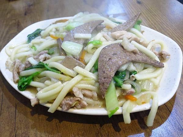 【三重美食】烏龍麵老店-特殊的濃郁口味湯頭炒麵
