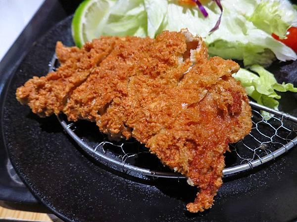 【三重餐廳】街角巷親子小舖-135元也能吃到豬排定食