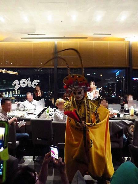 【台北火鍋】海底撈-現場變臉、手工現拉麵的四川麻辣火鍋店
