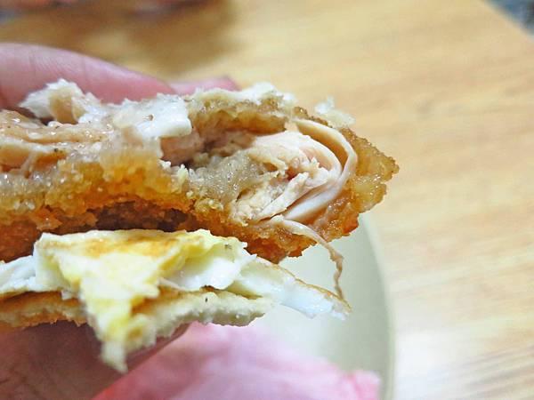 【蘆洲美食】香雞莊早餐店-獨創香雞排三明治口味