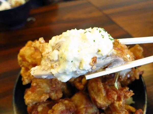【東京美食】元祖バカ盛丼-500元銅板美食,15塊炸雞丼飯,份量爆表