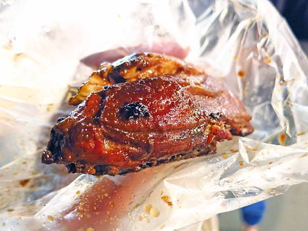 【蘆洲美食】胖阿姨碳烤-夜市裡的超人氣炭烤店