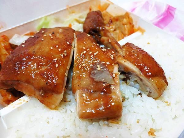 【新莊美食】川峰便當店-超便宜50元便當店