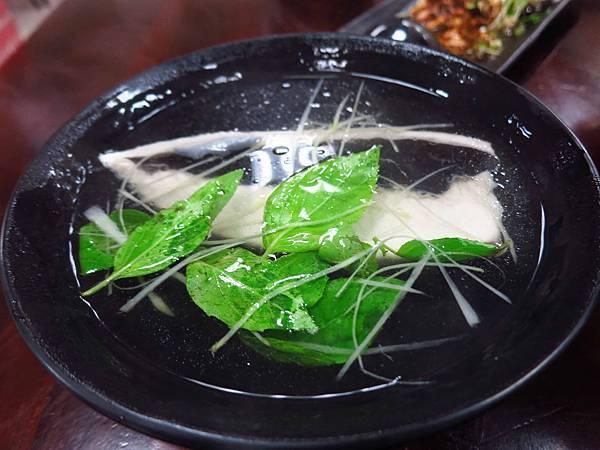【蘆洲美食】家鄉鵝肉擔仔麵-CP值極高的巷弄美食