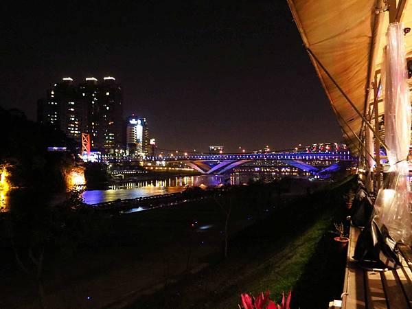 【台北旅遊】烏來老街、新店碧潭台北一日遊