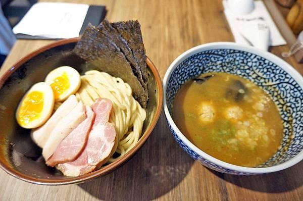 【台北餐廳】麵屋一燈-來自日本超人氣拉麵店