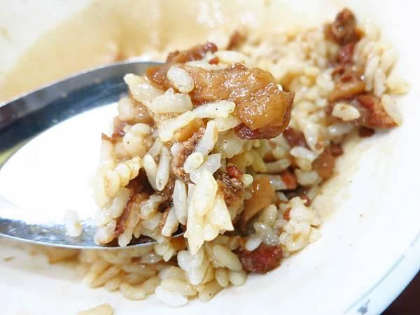【台北美食】胡記通化街米粉湯-特殊的胡椒魯肉飯