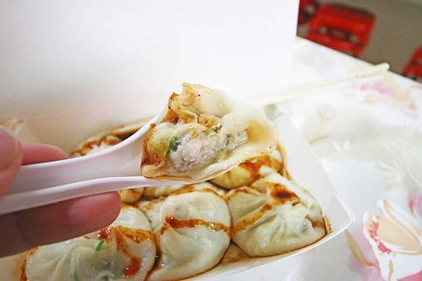 【新竹美食】皇膳湯包-皮薄的爆漿小籠包