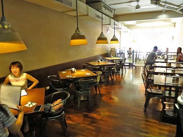 【桃園餐廳】李西餐廳caf'e de M&L-無招牌低調的爆漿炸雞