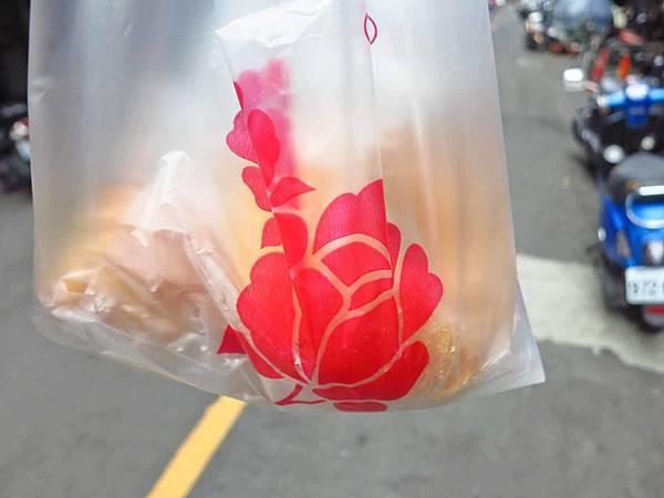 【三重美食】車路頭甜甜圈-三十年雙胞胎甜甜圈店-下午茶