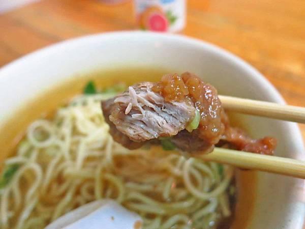【蘆洲美食】蔥燒小排麵-極似排骨麵的特色美食
