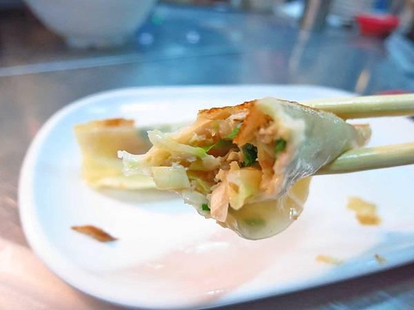 【三重美食】雲林鍋貼-會爆漿的美味鍋貼