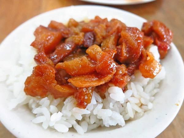 【五股美食】原味魯肉飯-超強大的燒肉飯