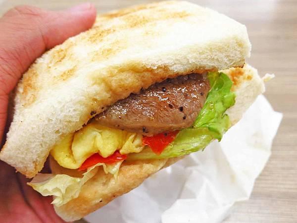 【桃園美食】克李斯碳烤土司-碳烤牛排蛋三明治