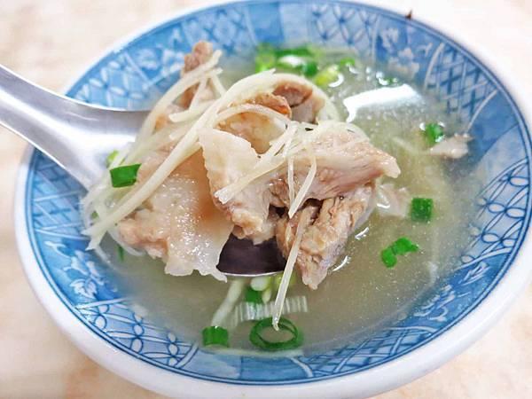 【台北萬華美食】阿明烏醋乾麵-50年烏醋麵老店