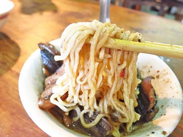 【台南美食】阿江炒鱔魚-不論在地人或觀光客都愛