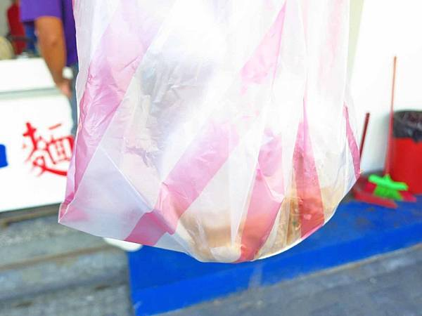 【三重美食】阿和麵線-1碗40元料多湯頭好的麵線
