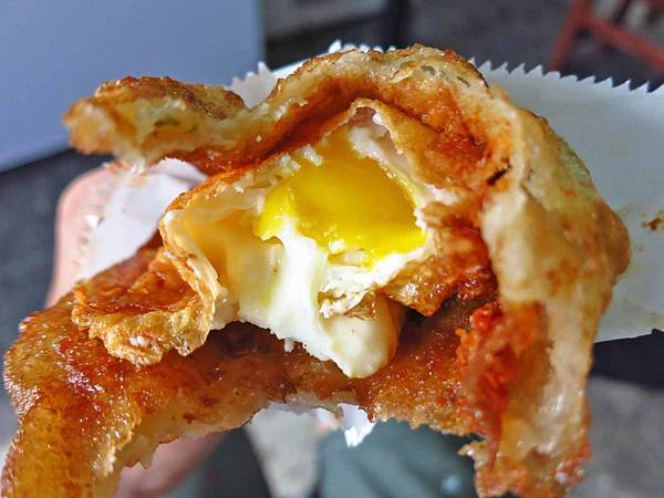 【花蓮美食】炸彈蔥油餅vs老牌炸蛋蔥油餅-復興街蔥油餅PK賽
