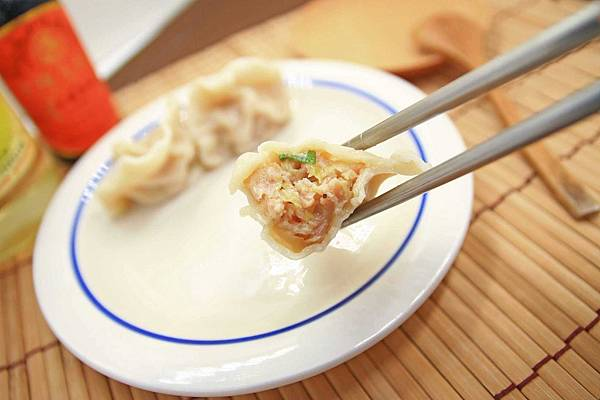 【宅配美食】曾餃子手工水餃-特殊的剝皮辣椒、起士水餃