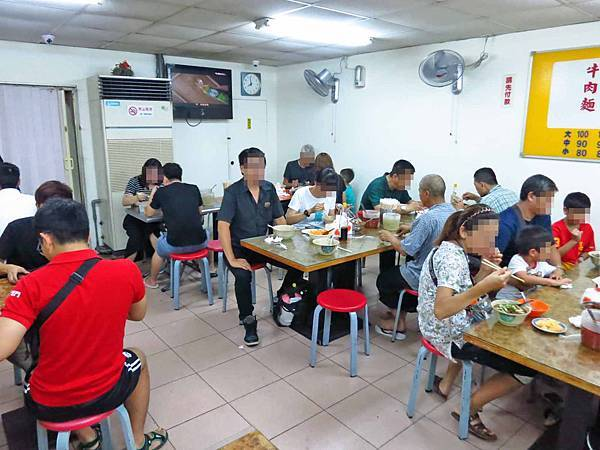 【台北萬華美食】富宏牛肉麵-全台北CP值最高的牛肉麵