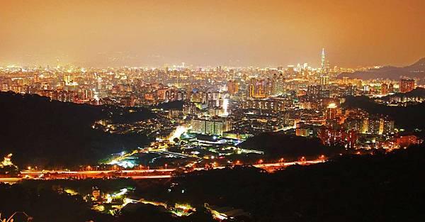【新北市中和】烘爐地-台北美麗夜景盡收眼底-約會聖地