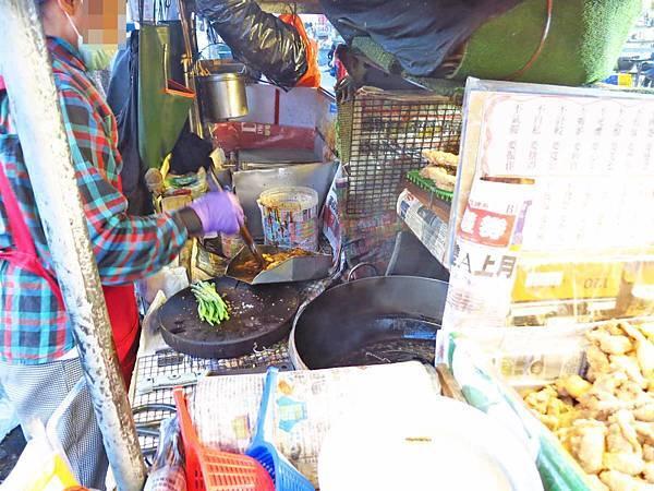 【桃園美食】阿珠碳烤-桃園火車站的平民美食