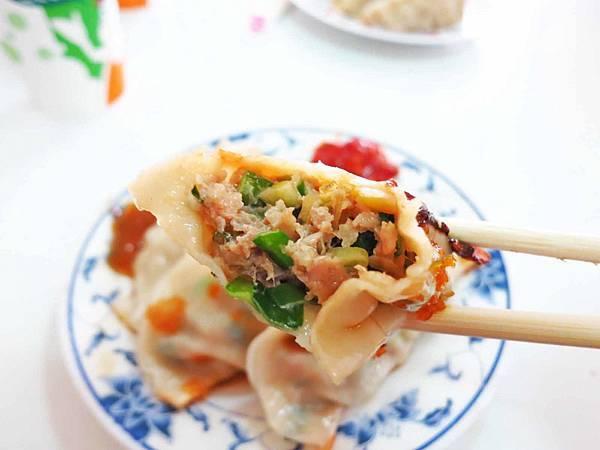 【花蓮美食】南埔純手工早點-內餡飽滿的鍋貼
