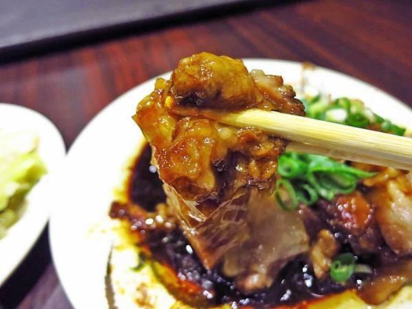 【台北美食】老牌張豬腳飯-超人氣排隊名店