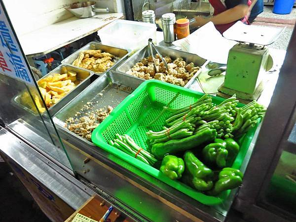 【花蓮美食】德安橋頭香酥雞-需等二個小時以上的隱藏版美食