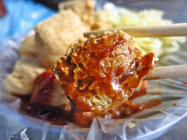 【蘆洲美食】陳家傳統小吃-美味的臭豆腐與大腸麵線