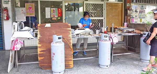 【板橋美食】楊家紅豆餅-1顆10元的超人氣紅豆餅