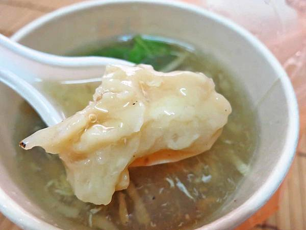 【蘆洲】白毛師-鹹甜酸的肉羹湯