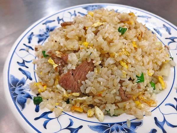 【蘆洲美食】炒飯班-香噴噴的大份量炒飯