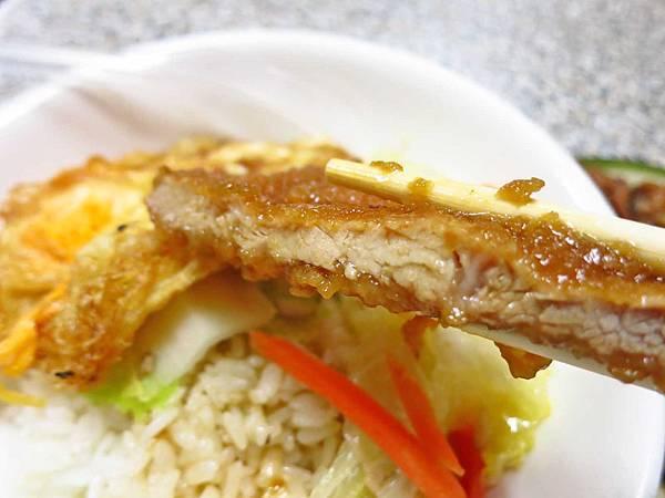【台北美食】赤峰街無名排骨飯-低調沒有招牌的排骨飯